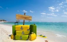 海边旅行箱图片