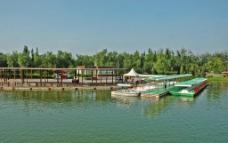 奥海人工湖游船图片