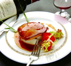 君度贡梨煎法国鹅肝图片