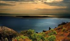 晚霞湖光图片