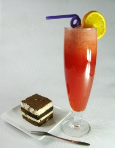 提拉米苏及鲜榨西瓜汁图片