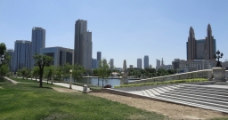 海河岸边图片