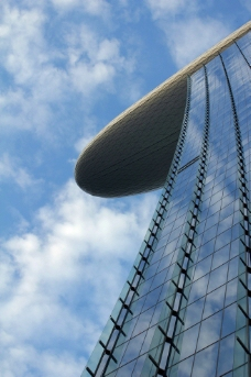 仰拍国外高楼大厦图片