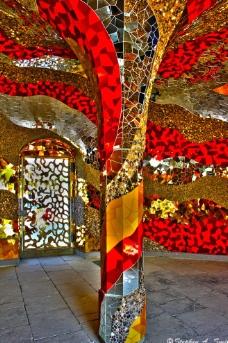 室内金色红色装饰图片