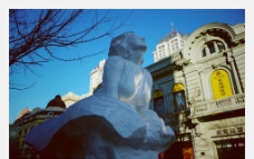 哈尔滨 中央大街 雪雕 梦露图片
