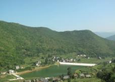山区水库图片
