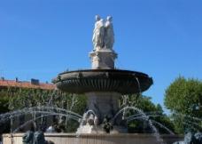 国外双人喷泉景观图片